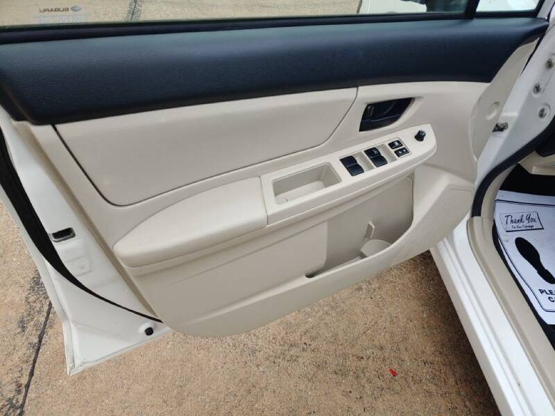 2012 Subaru Impreza 2.0i (image 10)