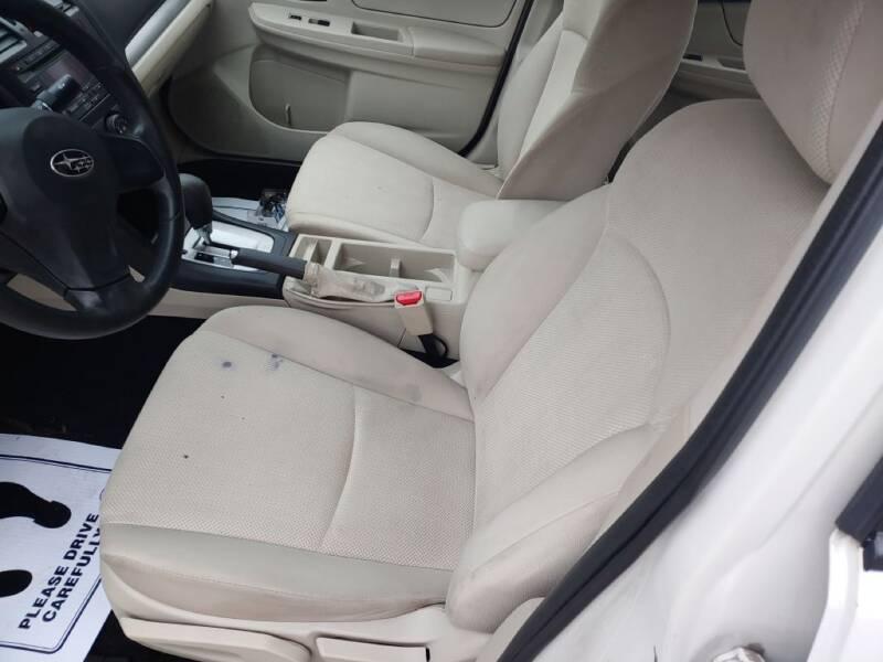 2012 Subaru Impreza 2.0i (image 11)