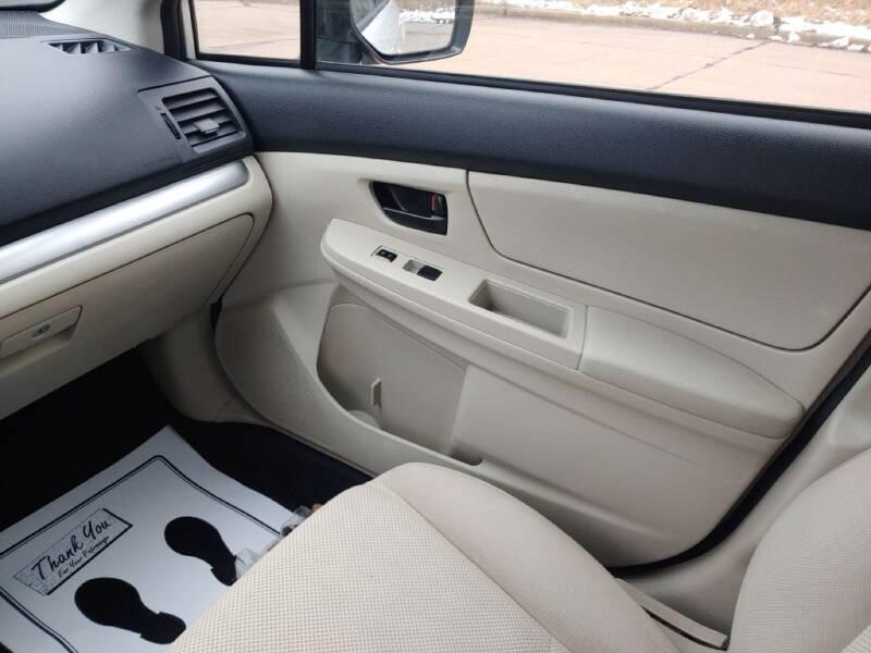 2012 Subaru Impreza 2.0i (image 17)