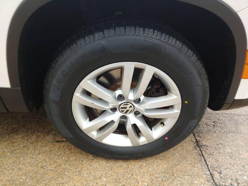 2013 Volkswagen Tiguan (image 27)