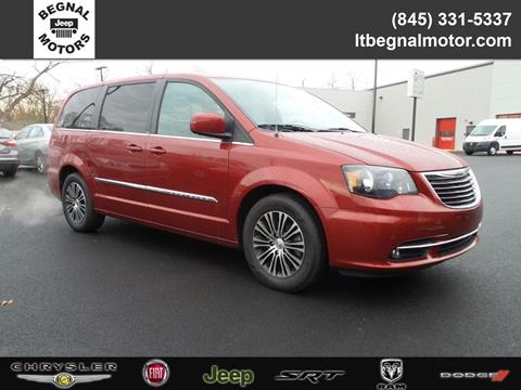 2014 Chrysler Town and Country for sale in Kingston, NY
