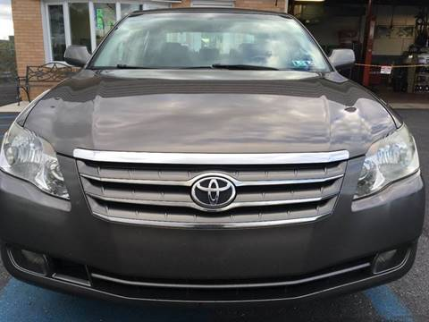 2005 Toyota Avalon for sale in Whitehall, PA