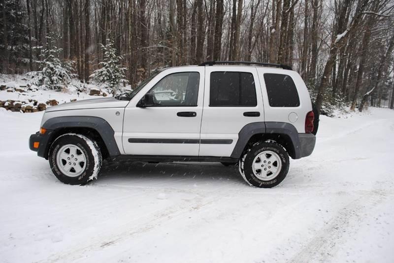 2007 Jeep Liberty for sale at Alverda Sales and Service in Alverda PA
