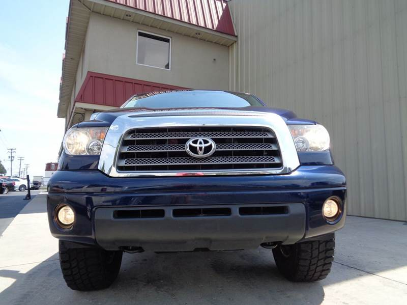 2007 toyota tundra limited 4dr crewmax cab 4x4 sb 5 7l v8 in kernersville nc used cars for sale. Black Bedroom Furniture Sets. Home Design Ideas
