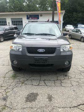 2006 Ford Escape for sale at V & R Auto Group LLC in Wauregan CT