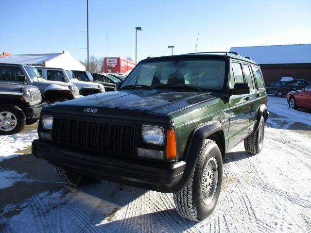 1996 Jeep Cherokee 4dr SE 4WD SUV In Galena IL - Postal Pete