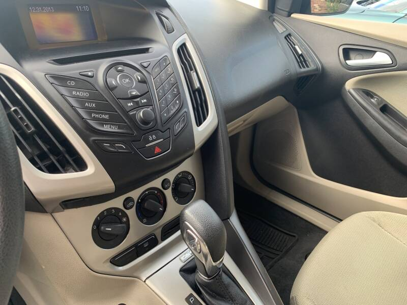 2013 Ford Focus SE 4dr Sedan - Windber PA
