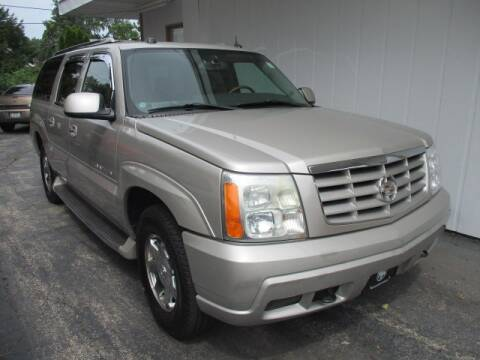 2004 Cadillac Escalade ESV for sale at GENOA MOTORS INC in Genoa IL