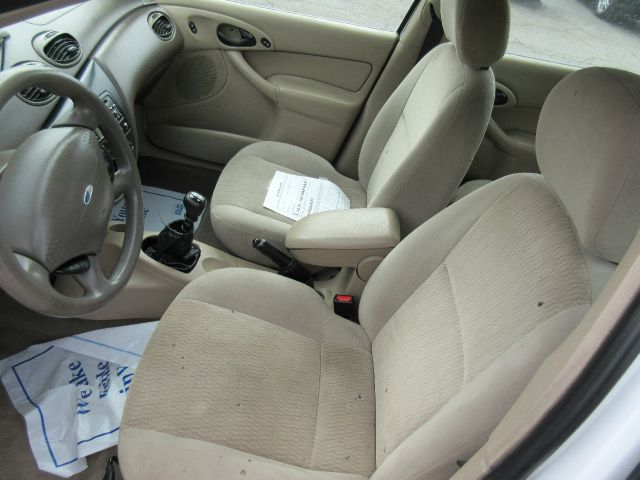 2001 Ford Focus SE 4dr Wagon - Valparaiso IN