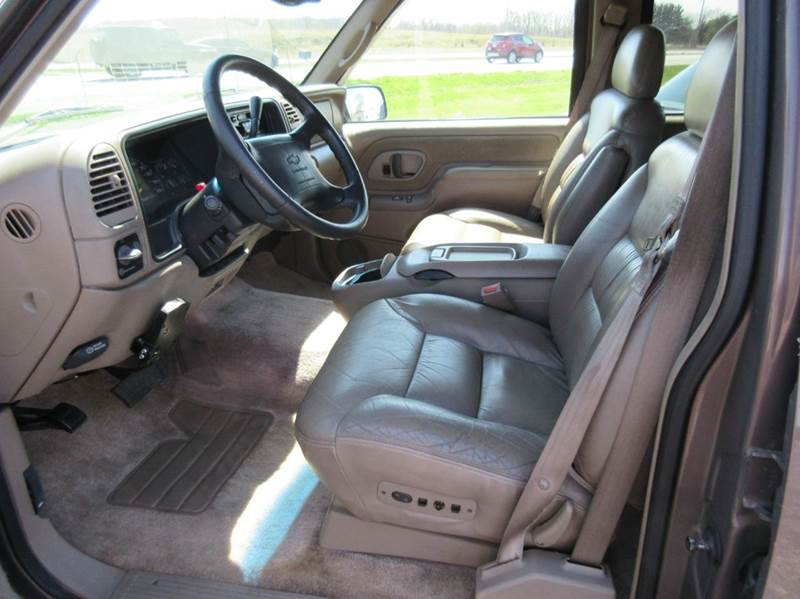 1997 Chevrolet Tahoe 4dr LT 4WD SUV - Valparaiso IN