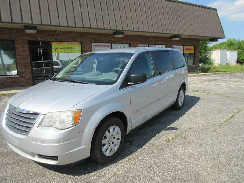 2009 Chrysler Town and Country LX Mini Van 4dr - Valparaiso IN