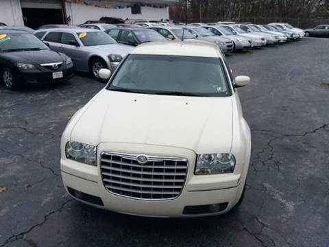 2008 Chrysler 300 for sale at Six Brothers Auto Sales in Youngstown OH