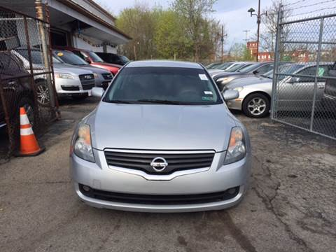 2008 Nissan Altima for sale at Six Brothers Auto Sales in Youngstown OH