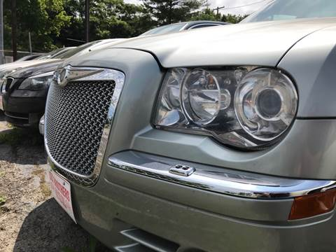 2005 Chrysler 300 for sale at Six Brothers Auto Sales in Youngstown OH