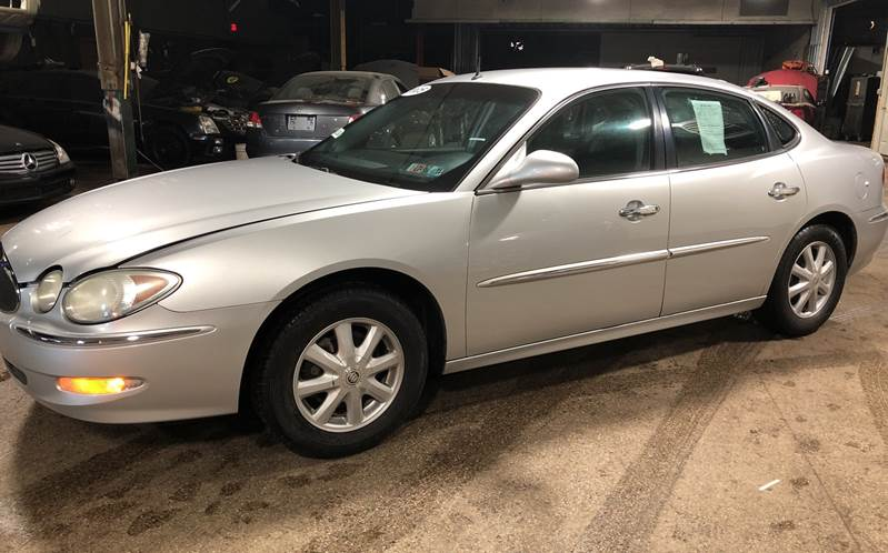 2005 Buick LaCrosse CXL 4dr Sedan w/ Front and Rear Head Airbags - Youngstown OH