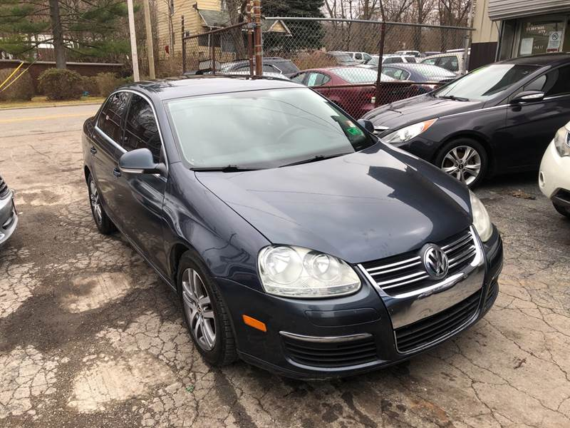 2006 Volkswagen Jetta 2.5 PZEV 4dr Sedan w/Automatic - Youngstown OH