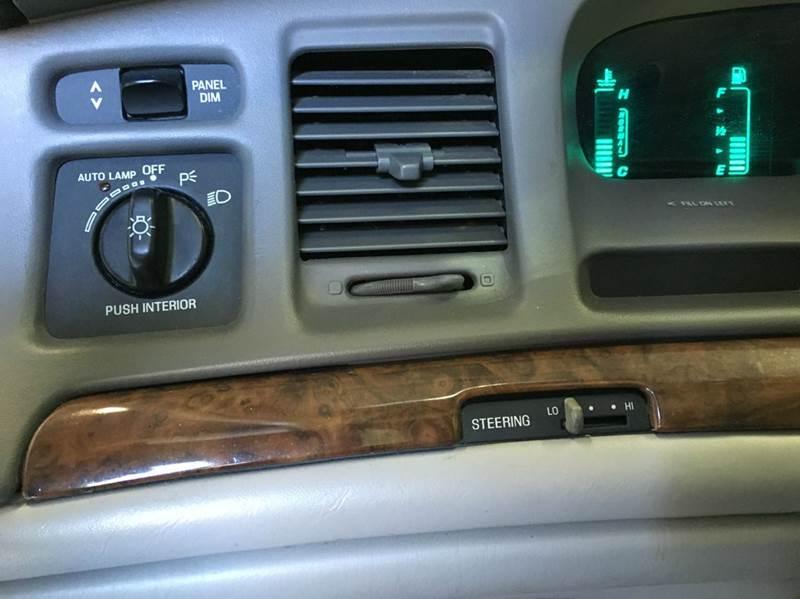 1997 Lincoln Town Car Executive 4dr Sedan In Atlanta Ga All Eight