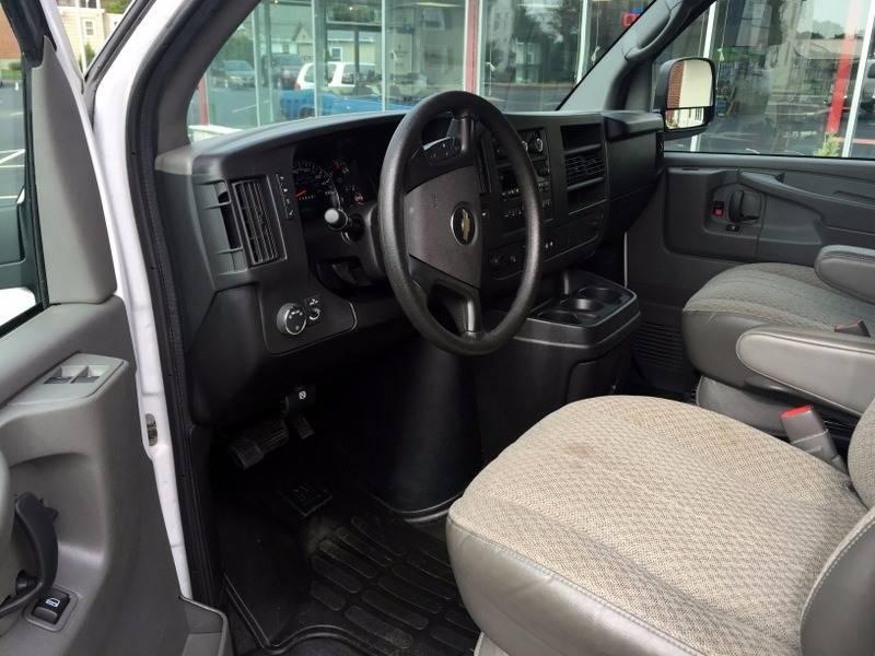 2014 Chevrolet Express Passenger LT 3500 3dr Extended Passenger Van w/1LT - New Holland PA