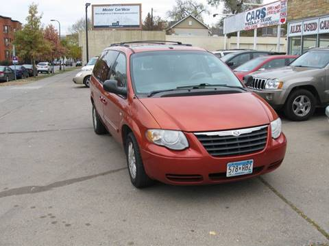 2006 Chrysler Town and Country for sale in Minneapolis, MN