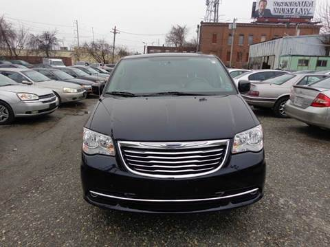 2011 Chrysler Town and Country for sale in Philadelphia, PA