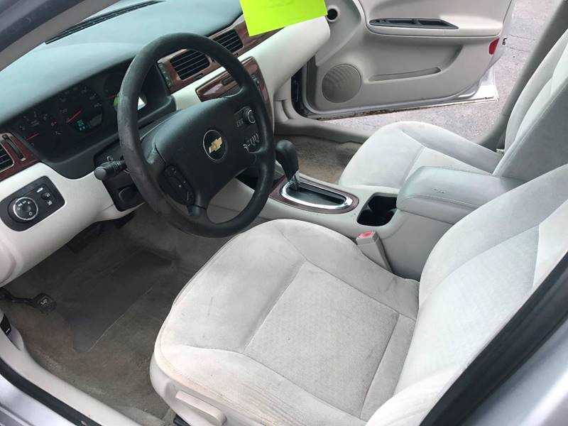 2009 Chevrolet Impala LS 4dr Sedan - Redford MI