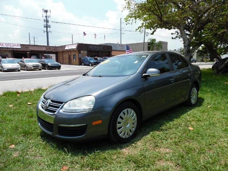2009 Volkswagen Jetta Looking for RELIABLITY here is this JETTA yours NOW - Hollywood FL