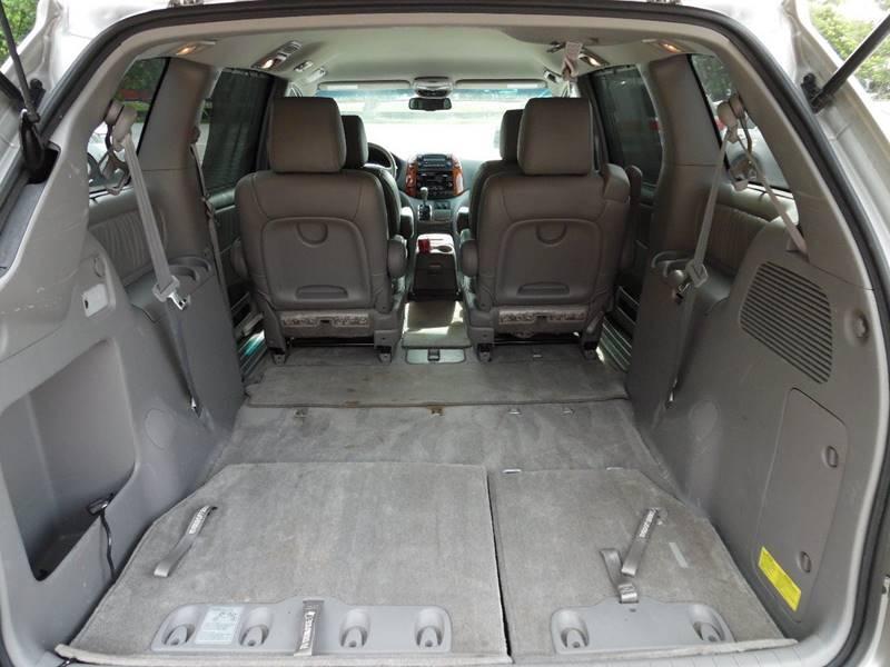 2010 Toyota Sienna XLE 7-Passenger 4dr Mini-Van - Hollywood FL