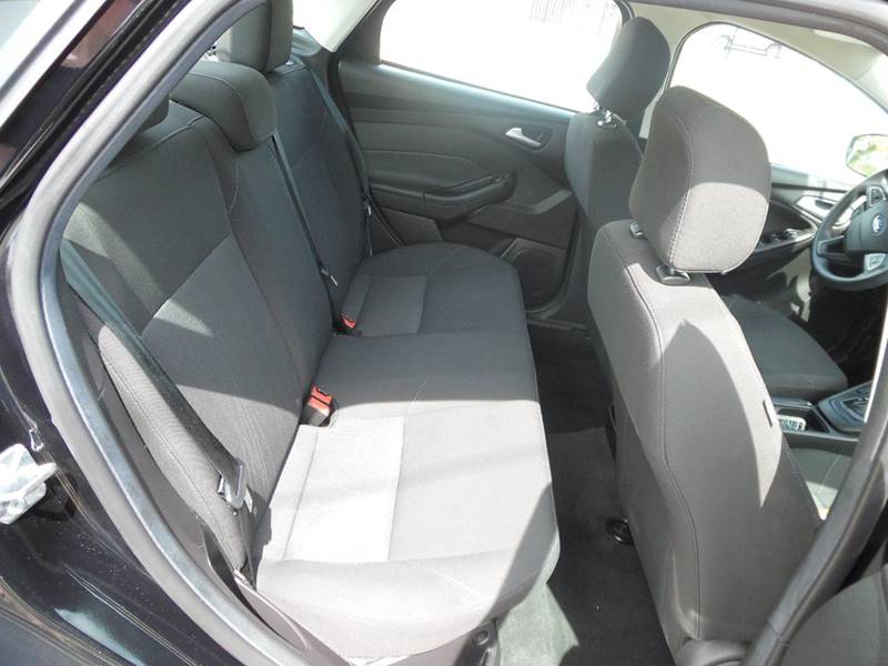 2016 Ford Focus SE 4dr Sedan - Hollywood FL