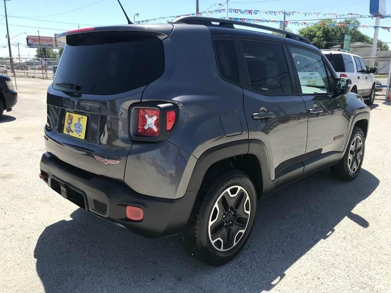 2016 Jeep Renegade Trailhawk 4x4 4dr SUV - San Antonio TX