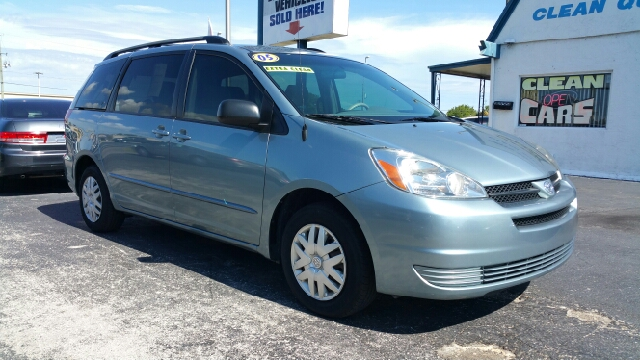 2005 Toyota Sienna for sale at Sunray Auto Sales Inc. in Holiday FL