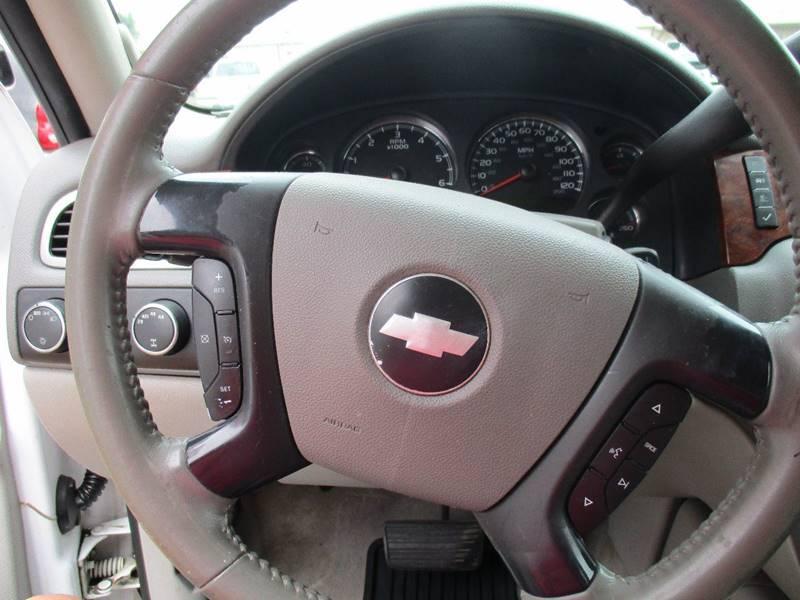2007 Chevrolet Suburban LT 1500 4dr SUV 4WD - Hutchinson KS