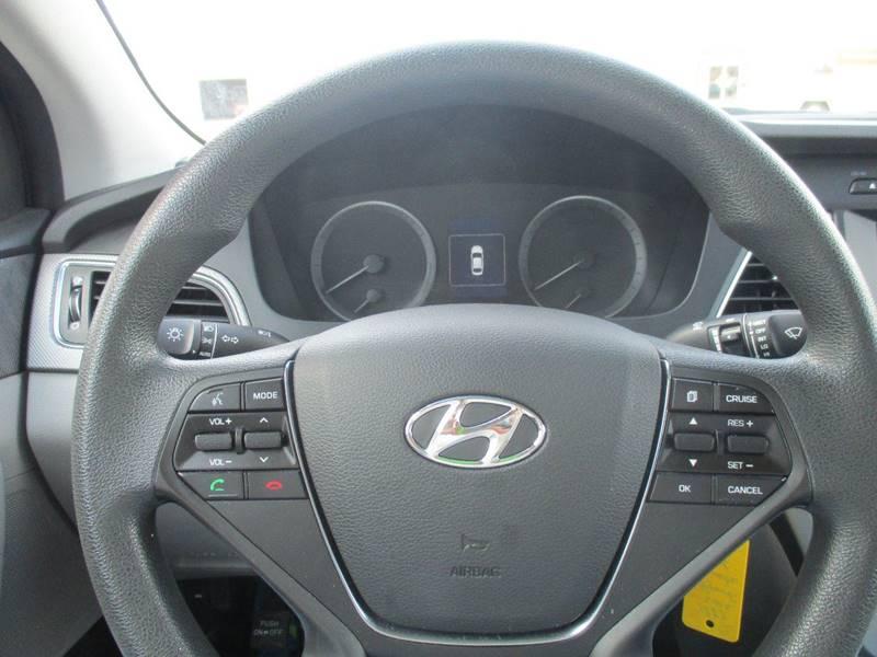 2016 Hyundai Sonata SE 4dr Sedan - Hutchinson KS