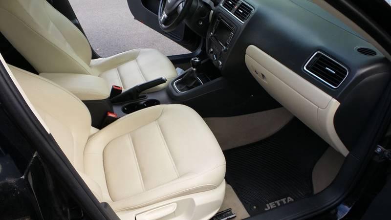 2012 Volkswagen Jetta SE PZEV 4dr Sedan 5M w/ Convenience and Sunroof - Albany NY