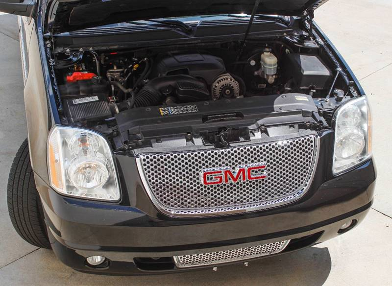2007 GMC Yukon XL for sale at BAVARIAN AUTOGROUP LLC in Kansas City MO