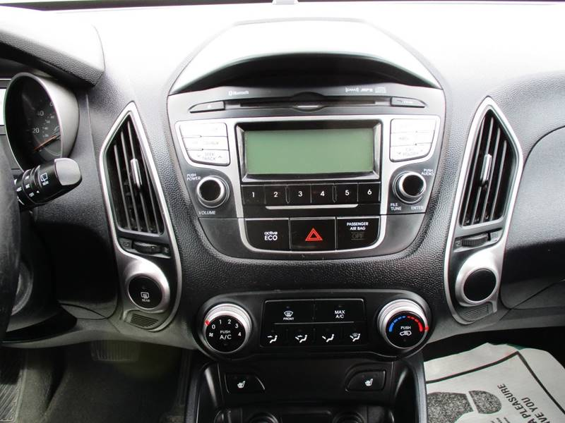 features gl suv price drive hyundai tucson wheel photos reviews front photo