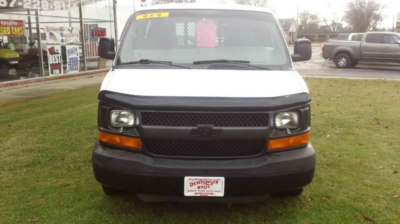 2010 Chevrolet Express Cargo AWD 1500 3dr Cargo Van - Bellevue OH