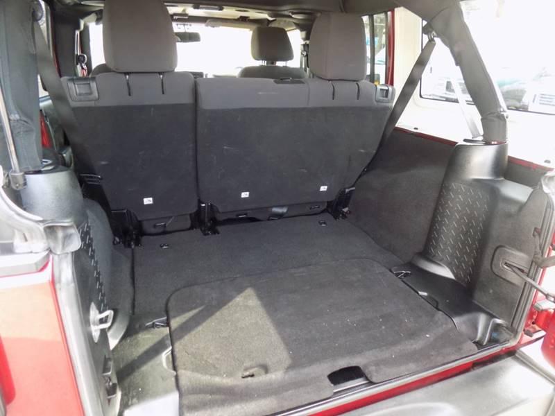 2013 Jeep Wrangler Unlimited Sport (image 11)