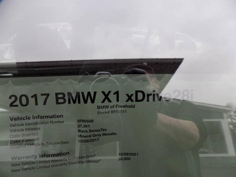 2017 BMW X1 xDrive28i (image 4)
