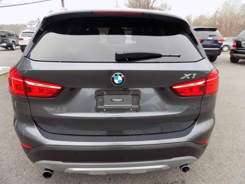 2017 BMW X1 xDrive28i (image 5)
