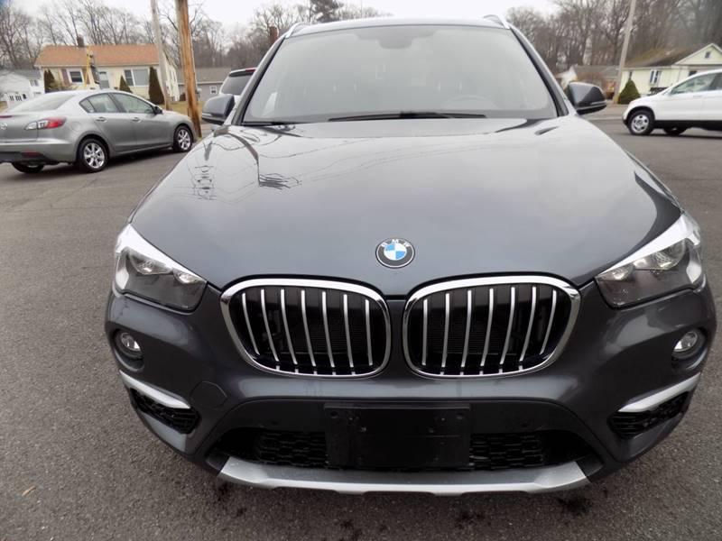 2017 BMW X1 xDrive28i (image 9)