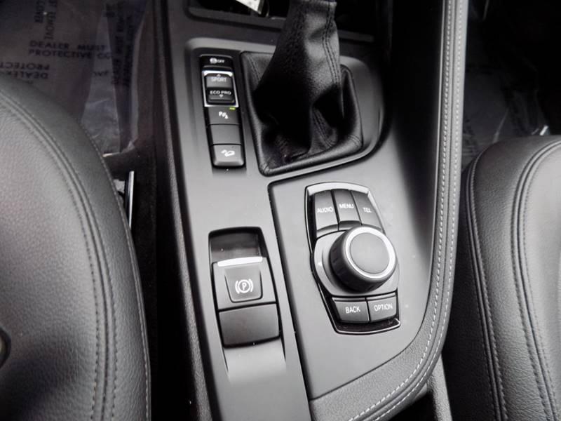 2017 BMW X1 xDrive28i (image 16)