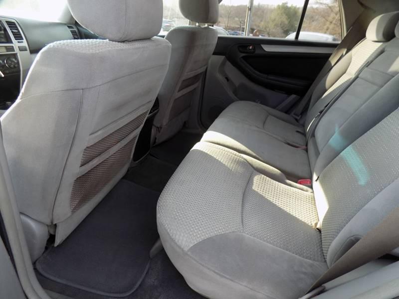 2003 Toyota 4Runner SR5 (image 7)