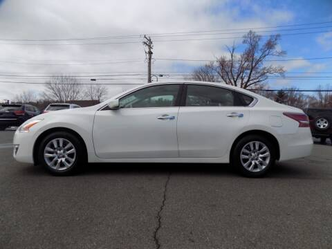 2013 Nissan Altima 2.5 S for sale at 9W AUTO SALES in Saugerties NY