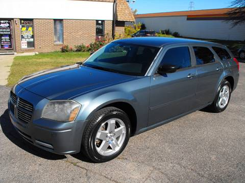 2005 Dodge Magnum for sale in Walled Lake, MI