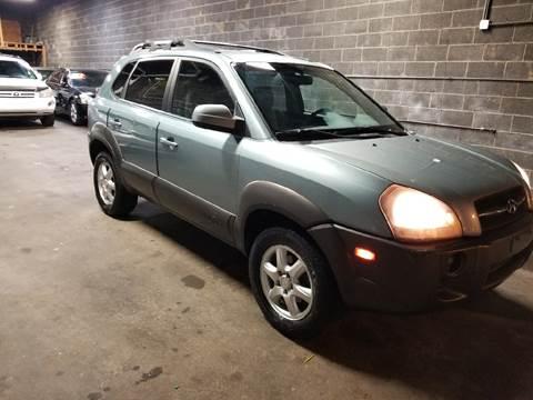 2005 Hyundai Tucson for sale at O A Auto Sale - O & A Auto Sale in Paterson NJ