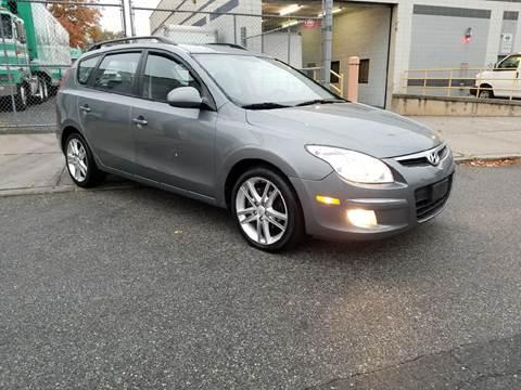 2010 Hyundai Elantra Touring for sale at O A Auto Sale - O & A Auto Sale in Paterson NJ