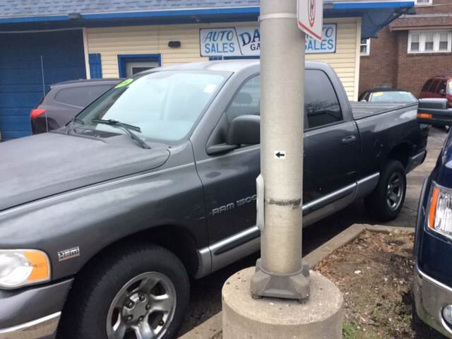 2004 Dodge Ram Pickup 1500 for sale at Dave's Garage & Auto Sales in East Peoria IL