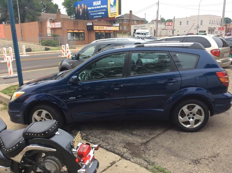 2005 Pontiac Vibe for sale at Dave's Garage & Auto Sales in East Peoria IL
