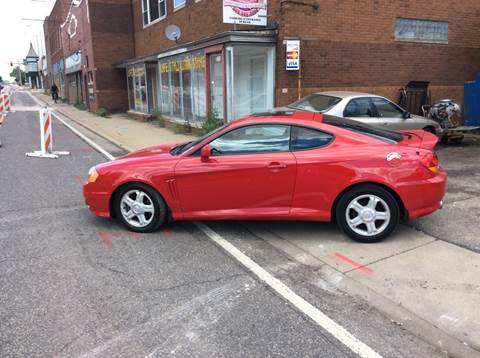 2003 Hyundai Tiburon for sale at Dave's Garage & Auto Sales in East Peoria IL