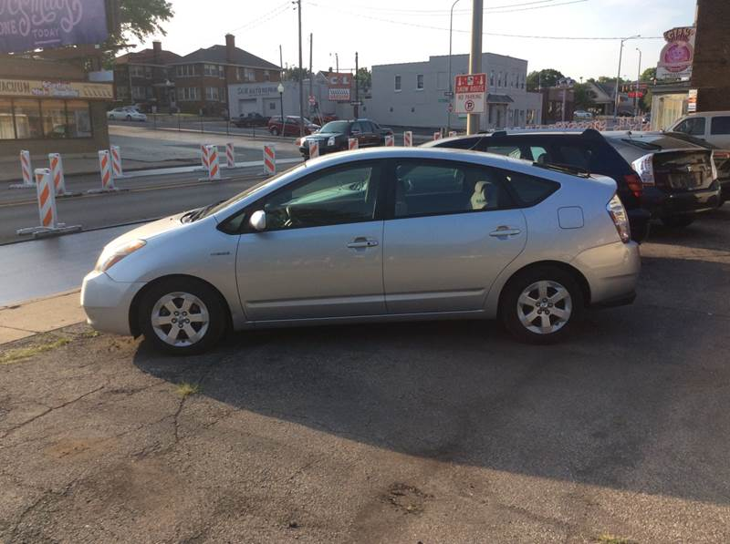 2006 Toyota Prius for sale at Dave's Garage & Auto Sales in East Peoria IL